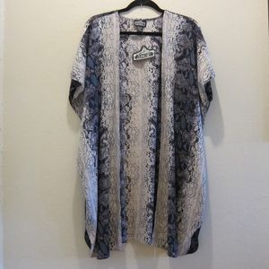 NWT: Angie: Snake Print Kimono. Size S